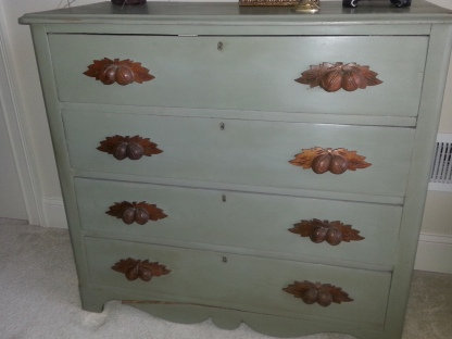 Cottage Chest (re)styled in Annie Sloan Chateau Grey Chalk Paint